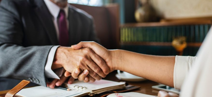 pregi e difetti ad un colloquio di lavoro